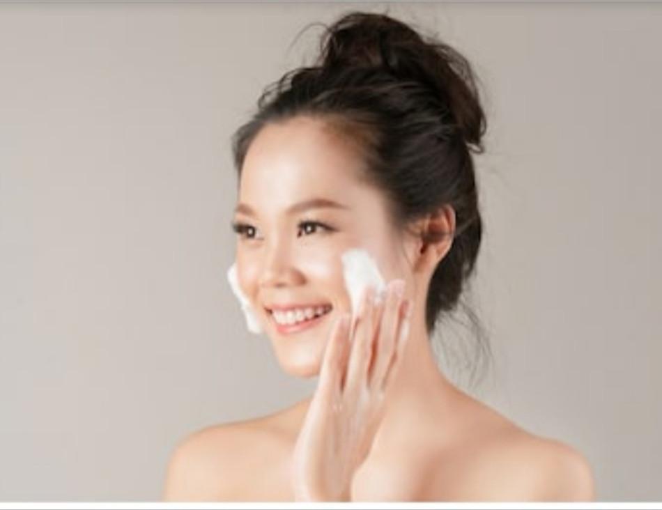 Yogurt  Scrub : Basic Home made Facial Scrub