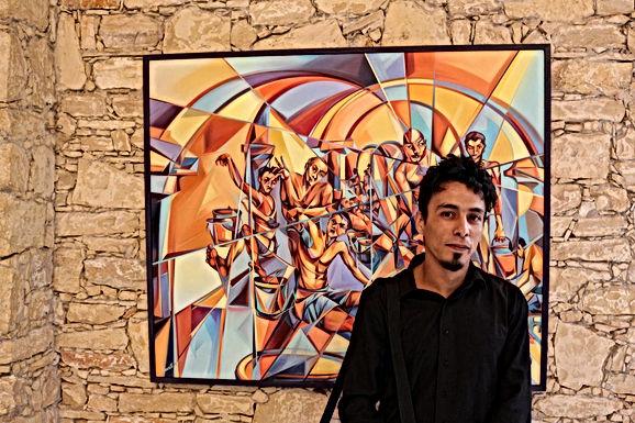 Un jeune peintre prometteur expose ses oeuvres à l'Institut français d'Agadir