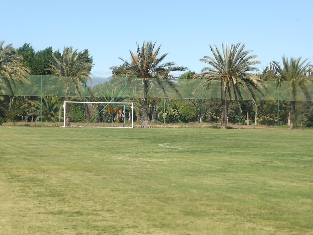 Le terrain de football de Villate Limoune (photo Le Jardin aux Etoiles)
