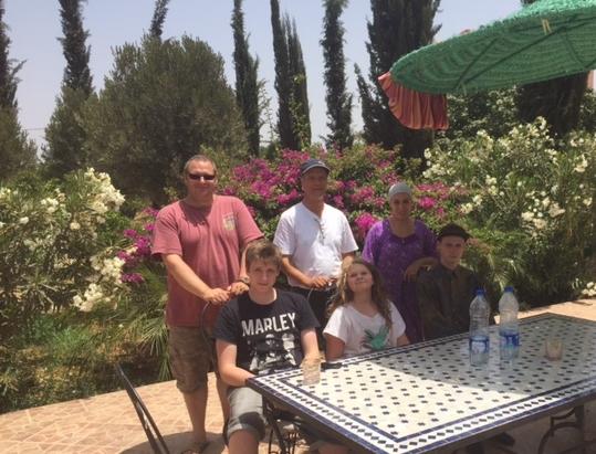 Nos  hôtes avec notre personnel