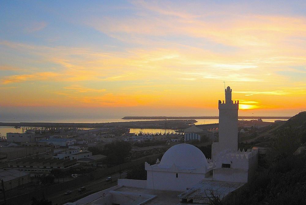 Au coucher du soleil sur le port d'Agadir