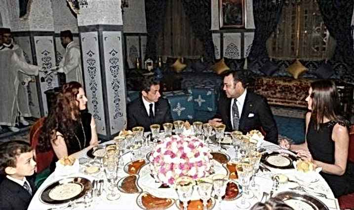 Le roi Mohammed VI et Lalla Salma reçoivent Nicolas et Carla Sarkozy