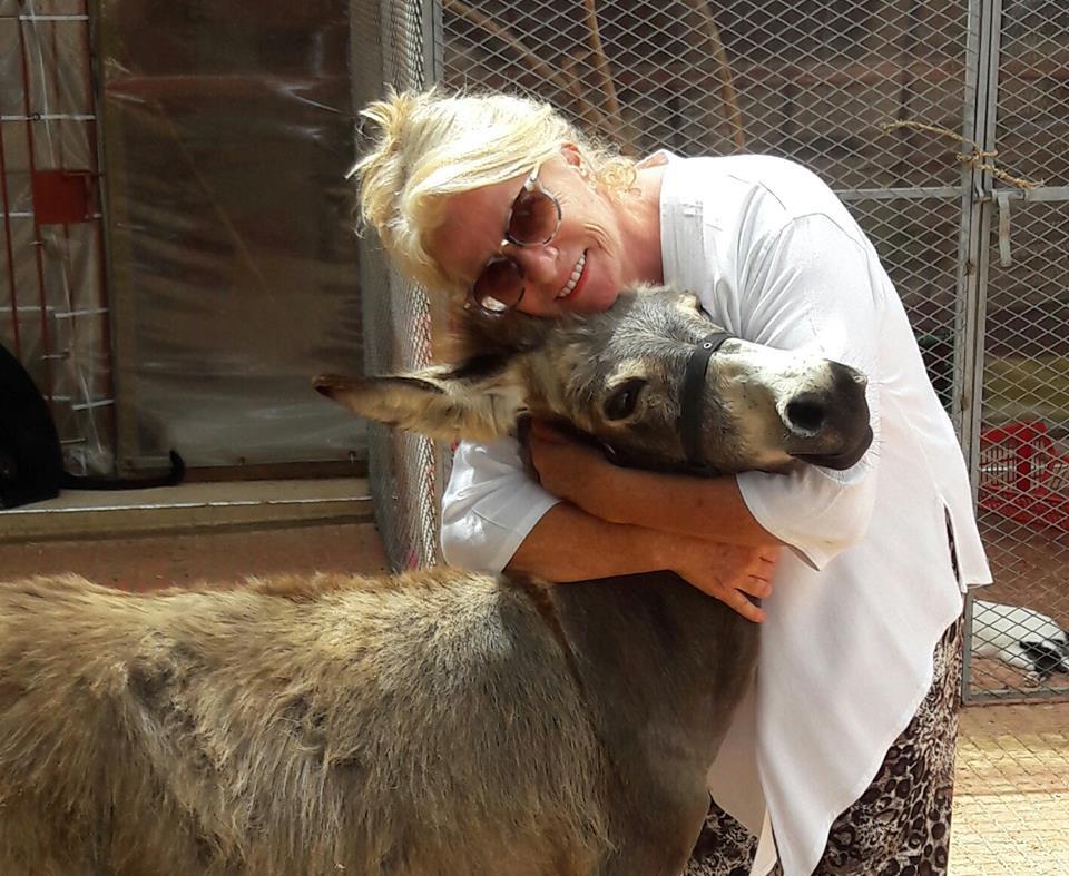 Chantal, l'amie des ânes abandonnés.