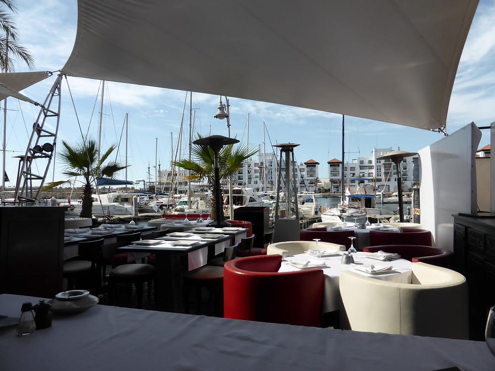 La Madrague offre une superbe vue sur le port de plaisance d'Agadir