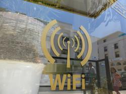 Avec Wi-Fi