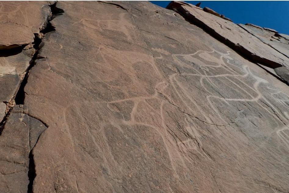 Gravures rupestres d'Aït Ouabelli (photo Gebhart Blazek)