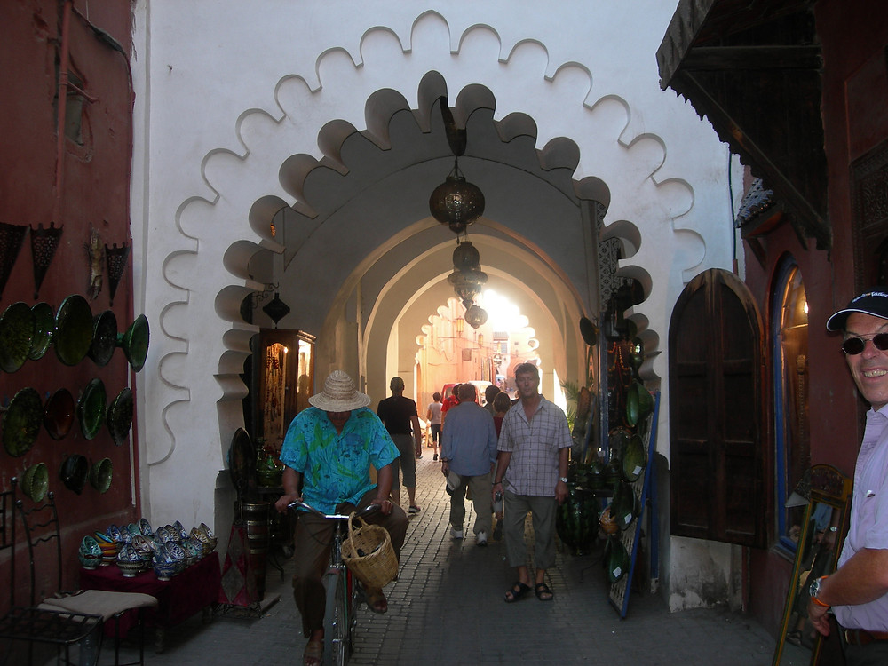 Dans la médina de Marrakech. Photo Jean-Luc Vautravers www.lejardinauxetoiles.net