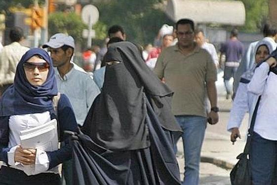 Le Maroc interdit l'importation, la fabrication et la commercialisation de la burqa