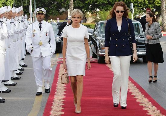 Emmanuel et Brigitte Macron reçus par le roi Mohammed VI et sa famille à Rabat
