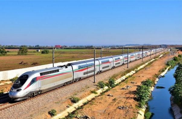 La ligne TGV Tanger-Casablanca est un succès. Le roi appelle à la construction d'une ligne Marrakech-Agadir.