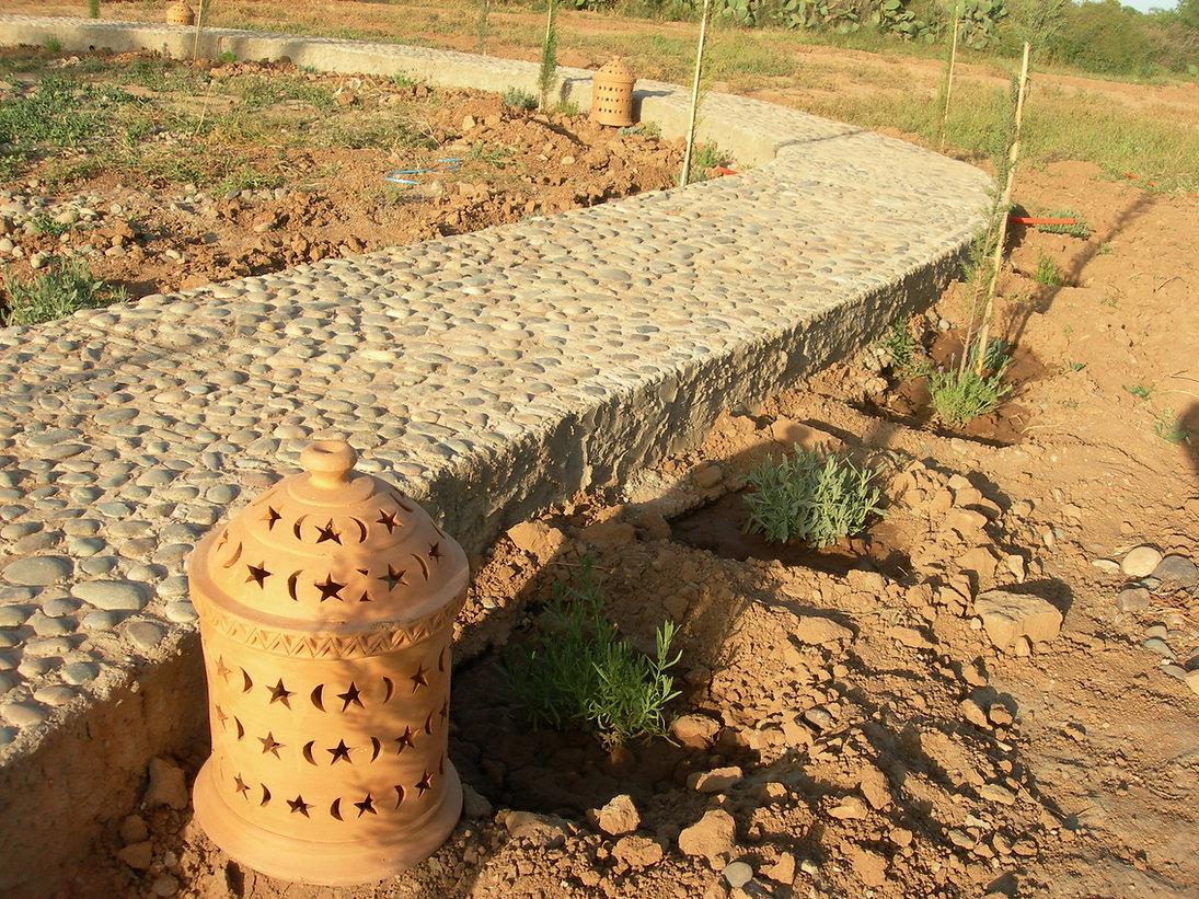 Lanternes en terre cuite de Sidi Bibi sur le chemin du Levant