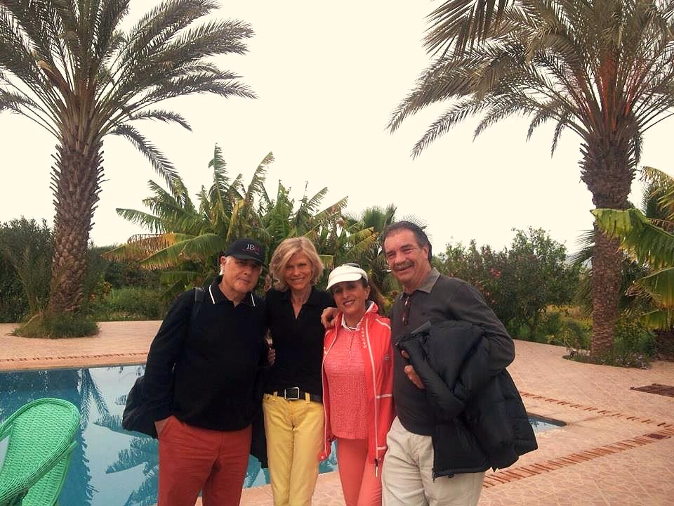Quatuor, piscine et palmiers