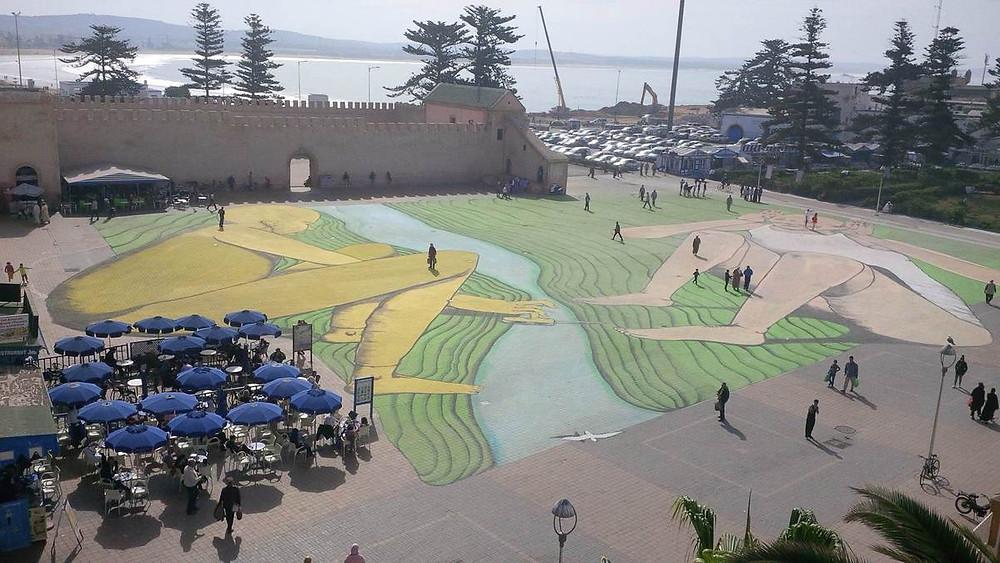 Sur la place Moulay Hassan d'Essaouira.