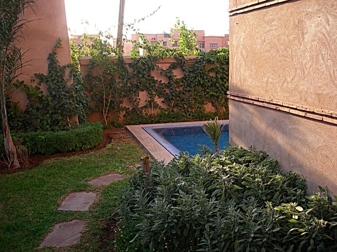 Targa à Marrakech : jardin un peu réduit et piscine coincée