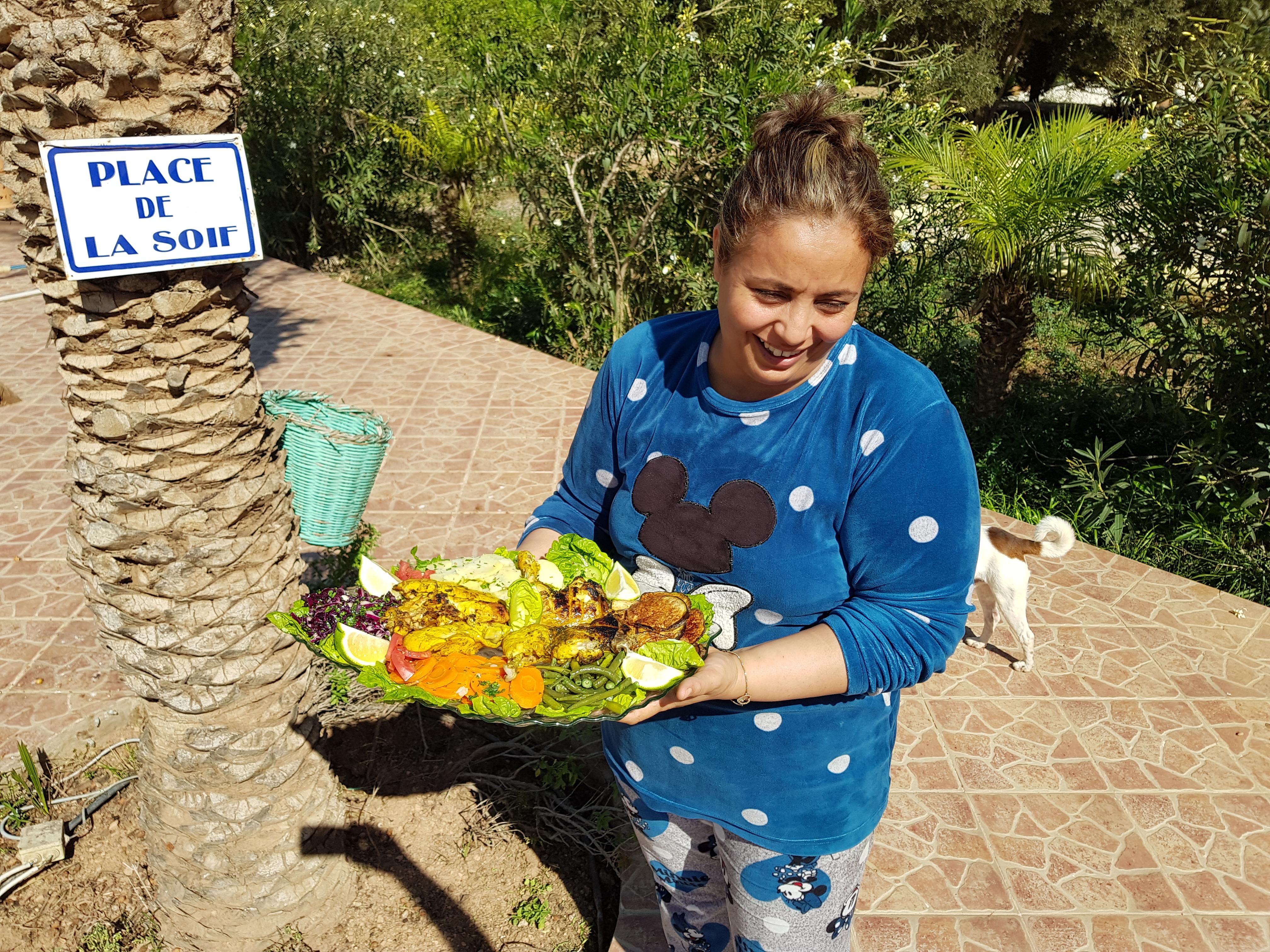Notre cuisinière Fatima