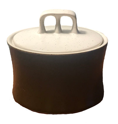 Quality stoneware Brown Bowl with Lid
