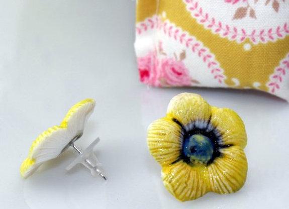 Boucles d'oreilles fleurs de porcelaine