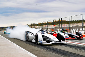 Edoardo Mortara (ROKiT Venturi Racing),