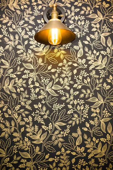 Gold-and-black-metallic-wallpaper_©Camer