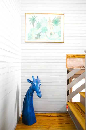 Blue-giraffe-scupture-in-Charleston-home