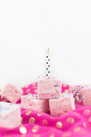 Malvimallow-birthday_-cake-marshmallows_