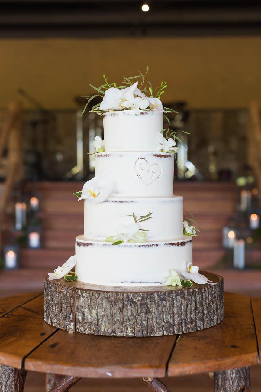 wedding cake by Hallmark Cakes