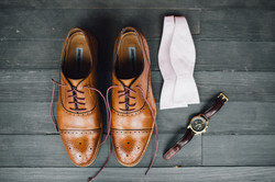 Groom's outfit details