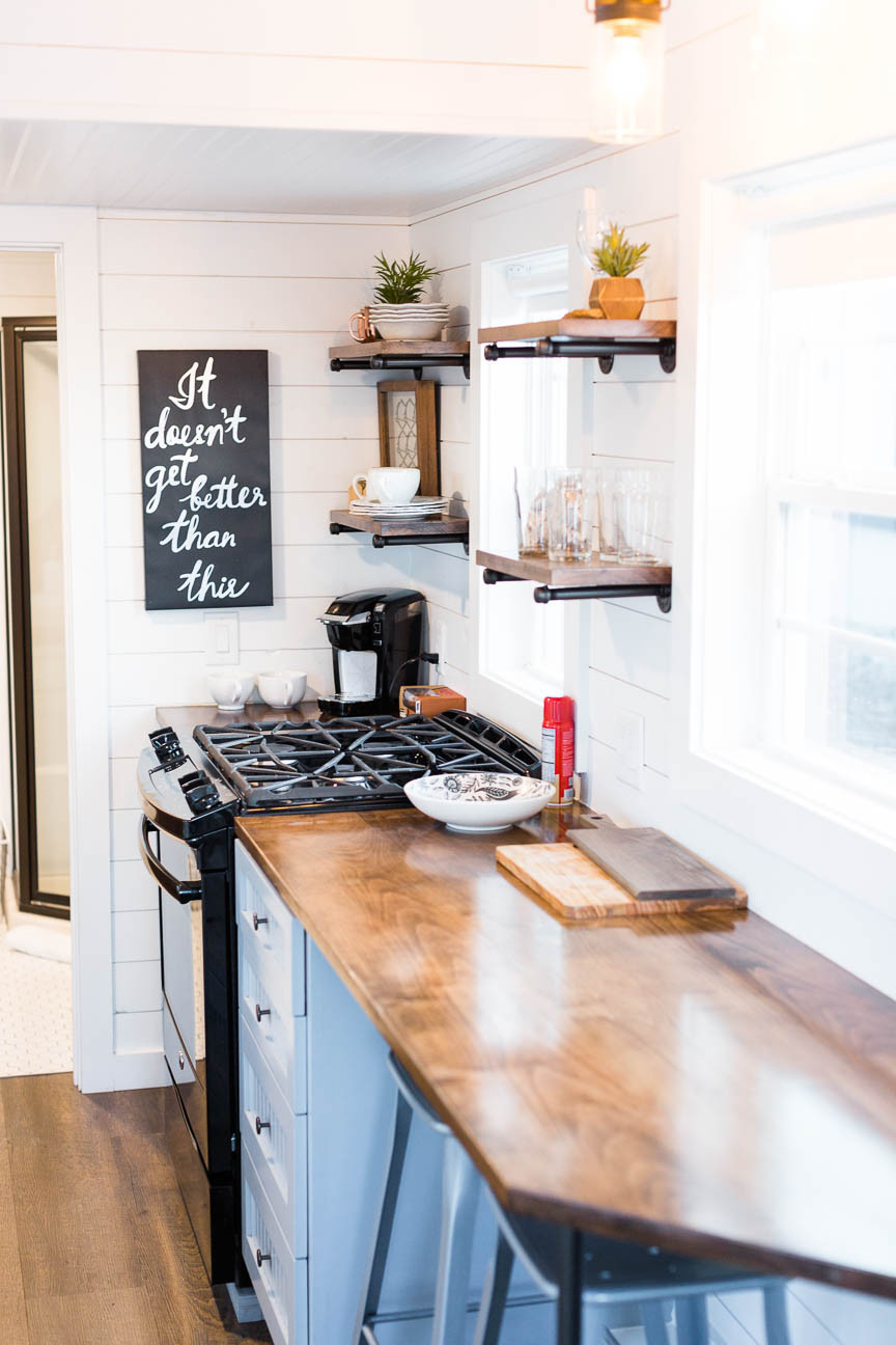 kitchen layout in tiny home