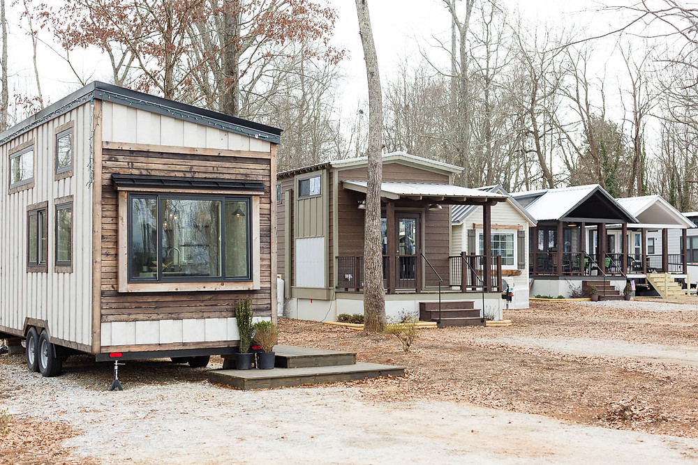 tiny home community houses lined up