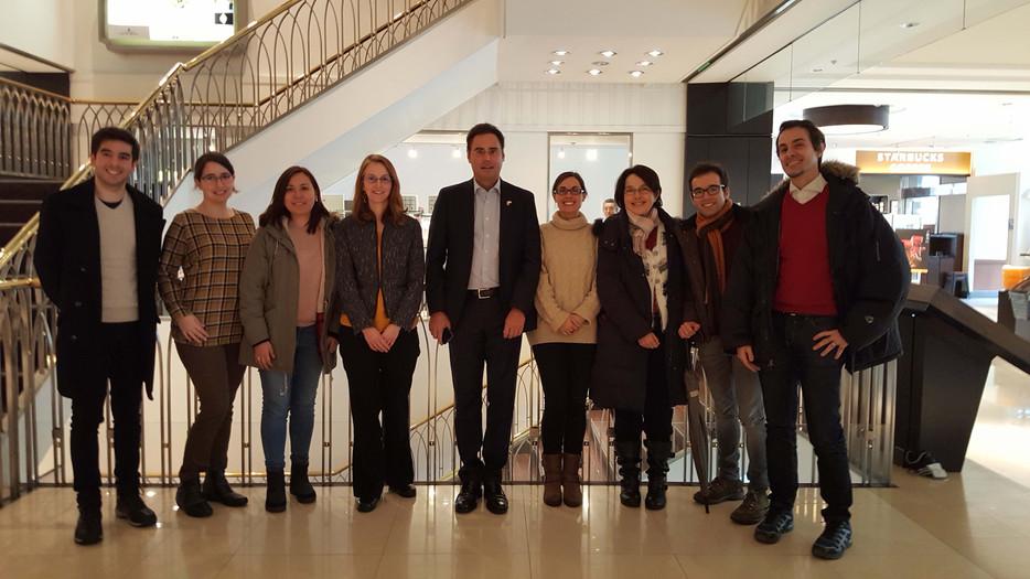 Encuentro con el Embajador D. Jorge Toledo con los científicos españoles en Sapporo