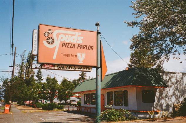 Spud's Pizza Parlor & Trophy Room