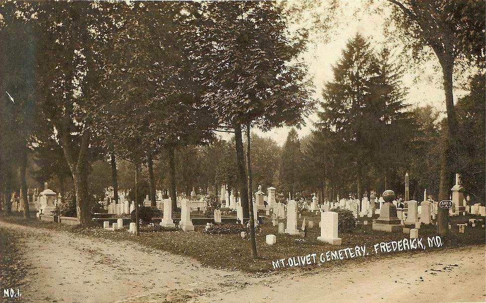 mt-olivet-cemetery-c-1909-left-of-key-monument_orig_edited.jpg