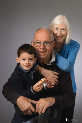 011 - Nathan, papou et manette-Modifier.jpg