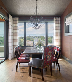 75th Avenue, dining area