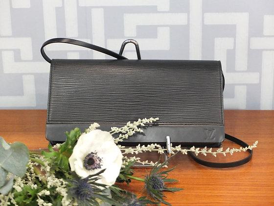 Pochette Louis Vuitton en cuir épi noir