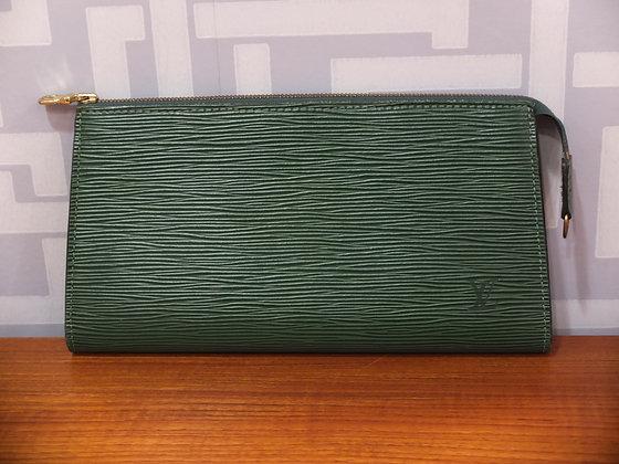 Pochette Louis Vuitton en cuir épi vert