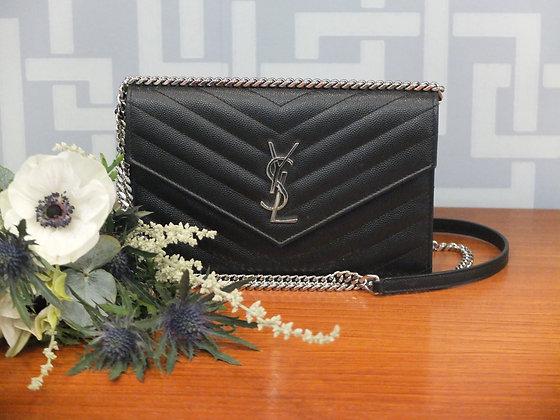 Sac à main Saint Laurent – Modèle enveloppe en cuir noir