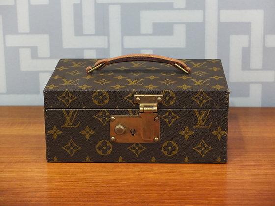 """Boîte Louis Vuitton - modèle """"Boîte à tout"""" en toile monogrammée"""