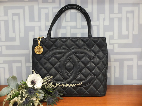 Sac à main Chanel – Cabas Médaillon en cuir caviar noir