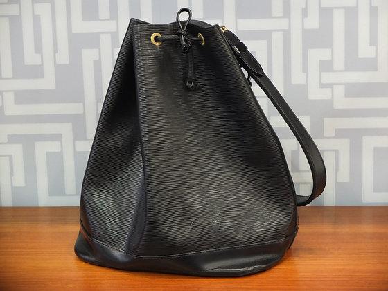 Sac à main Louis Vuitton modèle Noé en cuir épi noir
