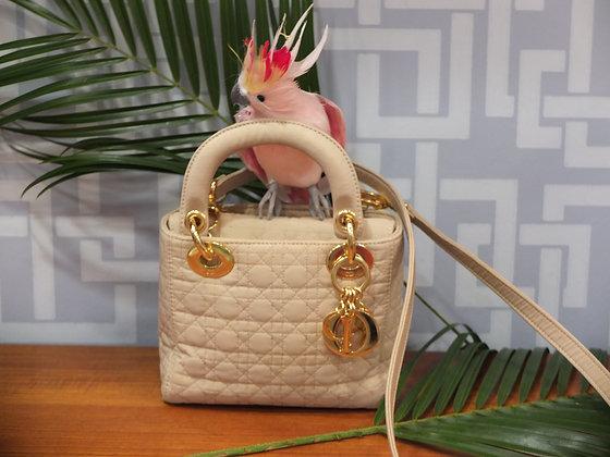 Mini sac à main Lady Dior en toile cannage beige