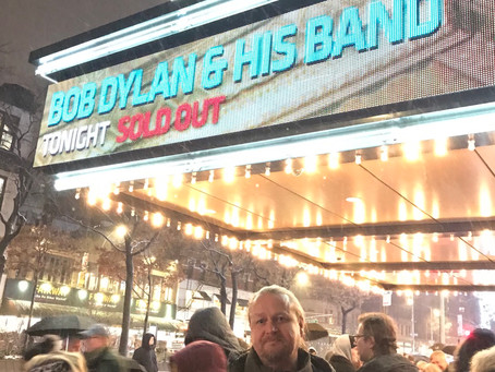 Sometimes you just have to brave a snowstorm!Bob Dylan at beacon theatre tonite...