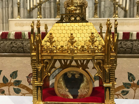 The incorruptible heart of SaintJeanMarieVianney currently on display at StPatrick'sCathedral..