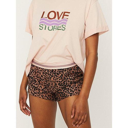 short léopard love stories