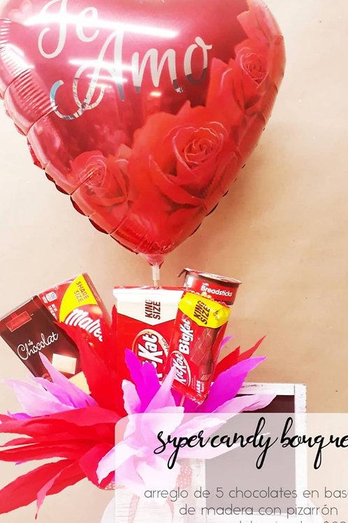 Super Candy Bouquet base de madera con pizarrón, 5 chocolates y Globo Jumbo