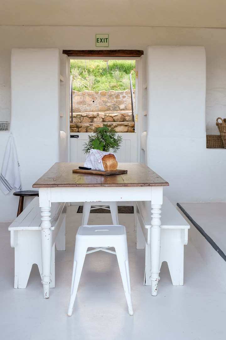 stables dining