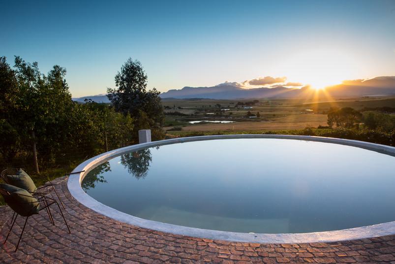 winemakers cottage pool