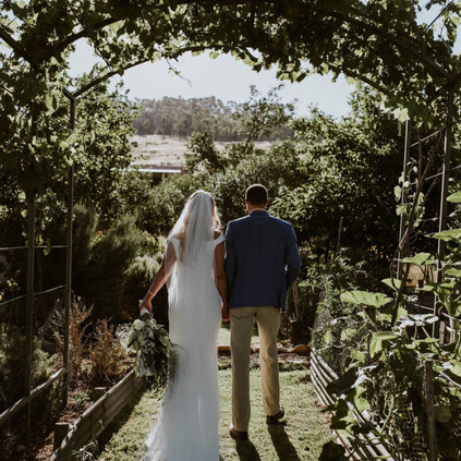 couple shoot garden