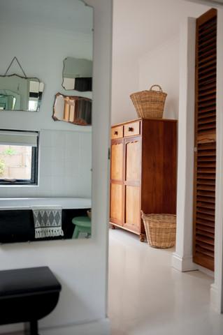 cottage main bathroom