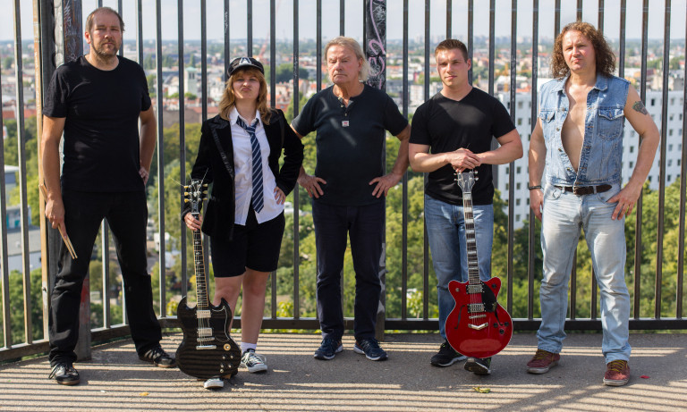 Band picture BLACK ICE